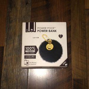 BUQU Black Faux Fur Puff Portable Charger